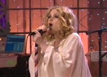 """Goldfrapp Bring """"Happiness,"""" Questionable Wardrobe Decision To Leno"""