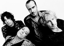 Stone Temple Pilots Play First Of Reunion Shows, Scott Weiland Does Not Get Kicked Out Or Arrested
