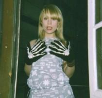 annie-girlfriend-get_shakes_remix.jpg