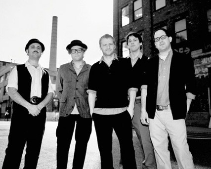 hold_steady-press08.jpg