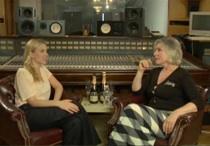 ScarJo And Debbie Harry Awkwardly Sip Champagne On MySpace