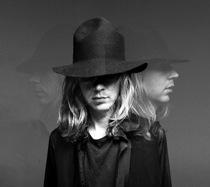 """New Beck – """"Orphans,"""" """"Gamma Ray"""""""