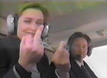 mulder-scully-finger.jpg