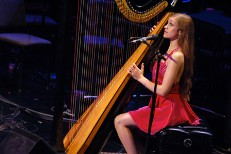 Joanna Newsom Plays New Song In London