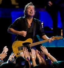 springsteen-to-play-superbowl.jpg