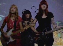 vivian_girls-video-tell_the_world.jpg