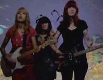 vivian_girls-video-tell_the_world.jpg