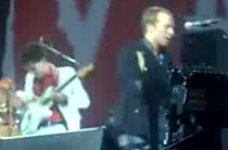 """New Coldplay – """"Glass Of Water"""" (Live In Antwerp With Albert Hammond, Jr.)"""