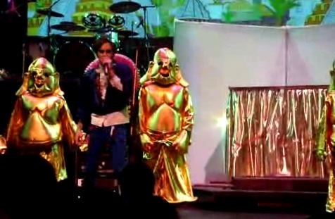 of_montreal-id_engager-live.jpg