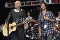 "Smashing Pumpkins Play ""Disarm"" With Josh Groban, New Tunes At Bridge School Benefit"