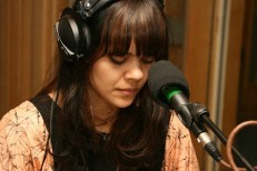 Bat For Lashes Covers Kings Of Leon