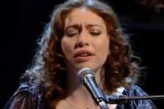 "Regina Spektor Brings Her ""Blue Lips"" To Jools Holland"
