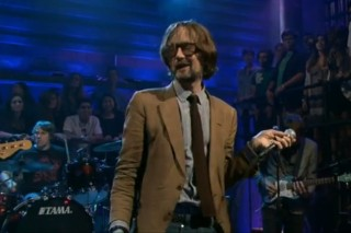 Jarvis Cocker Visits Jimmy Fallon, Escapes Wrath Of Questo