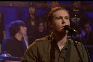 """Gaslight Anthem Cover Pearl Jam's """"State Of Love And Trust"""" For Fallon"""