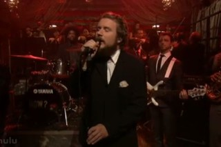 Yim Yames Joins The Roots On Fallon