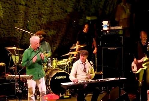 Crowded House David Byrne Video
