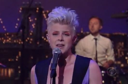 "Robyn ""Dancing On My Own"" Letterman 2010"