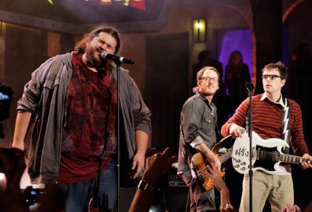 Jorge Garcia Sings With Weezer