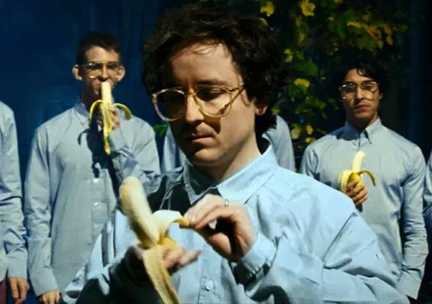 """Bernard Sumner, Hot Chip, & Hot City - """"Didn't Know What Love Was"""" Video"""