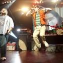 "Weezer & Best Coast Do ""Island In The Sun"" @ Gibson Amphitheater, Los Angeles 11/26/10"