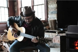 """Drive-By Truckers – """"Go-Go Boots"""" (Acoustic) Video"""