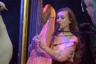 "Joanna Newsom ""On A Good Day"" On Letterman"