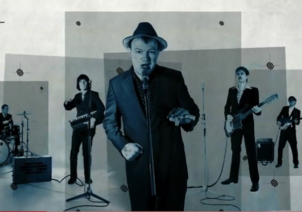 Edwyn Collins – Do It Again Feat. Franz Ferdinand's Alex Kapranos & Nick McCarthy Video