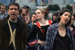 Watch <em>Portlandia</em>, Indie Sketch Show With Fred Armisen, Carrie Brownstein, And A Washed Out Theme Song