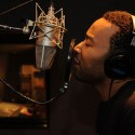 "John Legend – ""Rolling In The Deep"" (Adele Cover)"