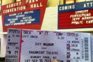 ATP NJ 2011 Friday: Jeff Mangum Makes People Cry