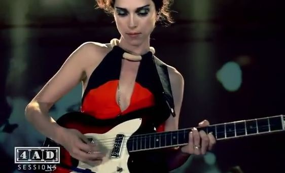 "St. Vincent - ""Year Of The Tiger"" Live For 4AD"