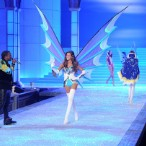 Kanye, Jay, & Nicki Play <em>Victoria's Secret Fashion Show</em>