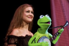 Joanna Newsom & Kermit The Frog