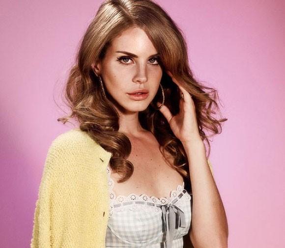 Lana Del Rey in Wonderland Magazine