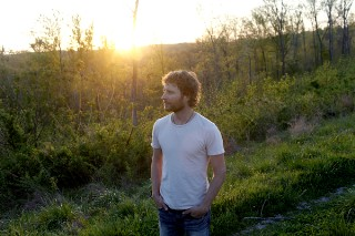 """Jason Isbell Says """"Douchebag"""" Dierks Bentley Ripped Off His Song"""