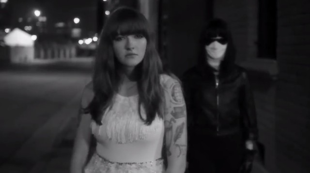 "La Sera - ""Real Boy"":""Drive On"" Video"