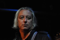 Peter Buck Goes Solo