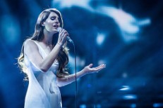 Watch Lana Del Rey On <em>The Voice UK</em>
