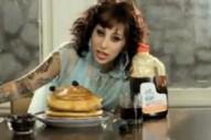 "Kreayshawn – ""Breakfast (Syrup)"" (Feat. 2 Chainz) Video"