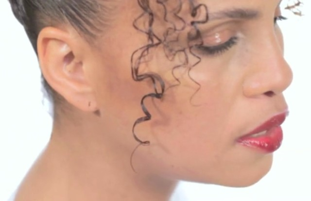"Neneh Cherry - ""Dream Baby Dream (Four Tet Remix)"" Video"