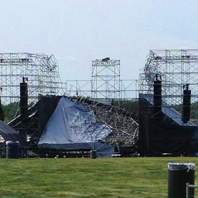 Radiohead stage collapse