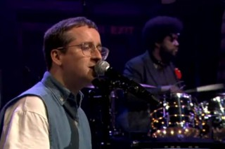 Watch Hot Chip Perform With ?uestlove On <em>Fallon</em>
