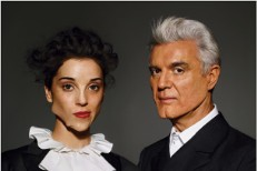 "David Byrne & St. Vincent – ""Weekend In The Dust"""