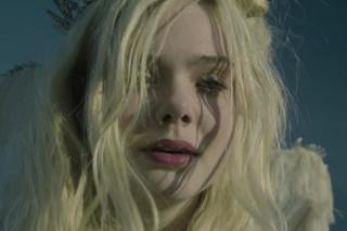 "Sigur Rós – ""Leaning Towards Solace"" Short Film (Feat. Elle Fanning & John Hawkes)"