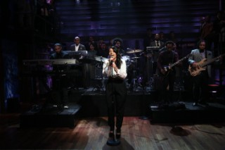 Watch Jessie Ware &#038; The Roots Play <em>Fallon</em>
