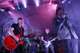 Watch Usher Join Afghan Whigs At SXSW