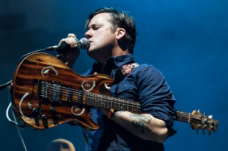 "Watch Modest Mouse Play New Song ""Be Brave"" At Coachella"
