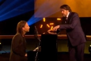 Watch Thom Yorke Play <em>Jonathan Ross</em>