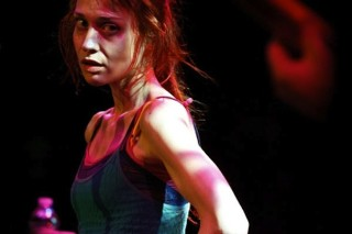 Fiona Apple Curses Audience, Storms Offstage At Louis Vuitton Event