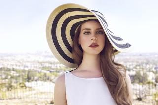 Lana Del Rey Addresses Leaks, Newfound Radio Success